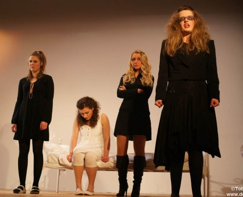 Dogville 2011